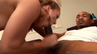 Ashley Nykole ist bereit für den dicken Penis