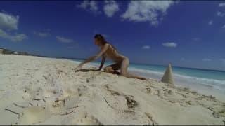 Sie zeigt ihren Körper heute am Strand
