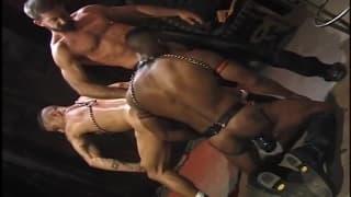 Simon Cox und Eddie Moreno mit Paul Skylar