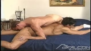 Hal Rockland bläst den Penis von Casey Jordan