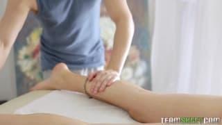 Massage verwandelt sich in eine Fickmassage
