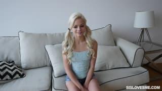 Elsa Jean ist eine süße und geile Schlampe