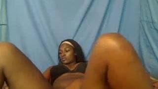 Sie will uns alles vor der Webcam zeigen