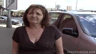 Tschechische Oma liebt gefickt zu werden