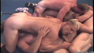 Schwule genießen jeden Zentimeter voneinander