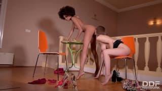 Erotische Beine und Füße mit Stella und Luna