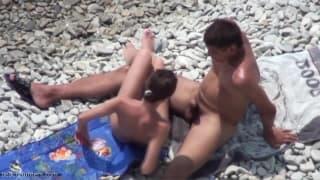 Amateure am Strand werden unanständig