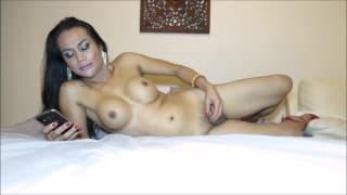 Transe Gina mit tollen Titten und Schwanz